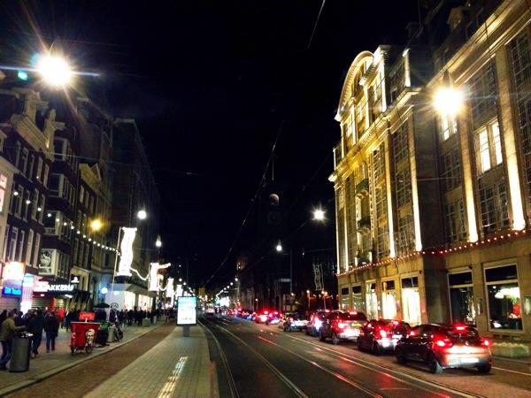 damrak-street