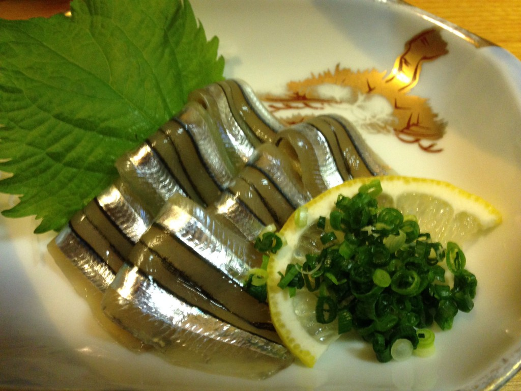 silver-stripe-round-herring