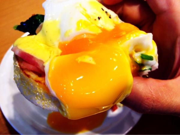eggs'n-things-eggs-benedict2