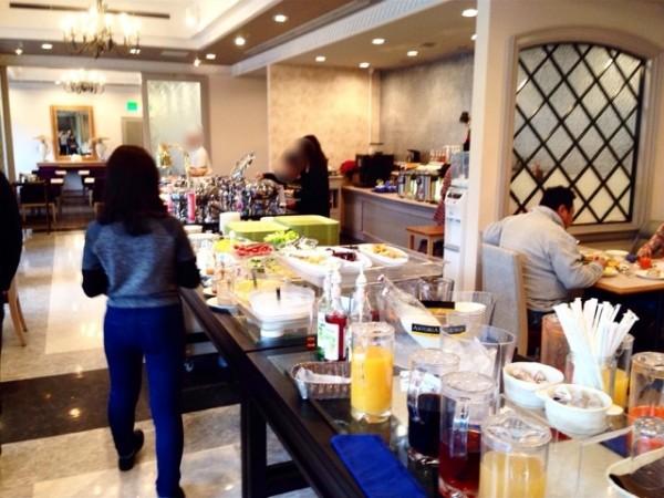 river-side-hotel-breakfast