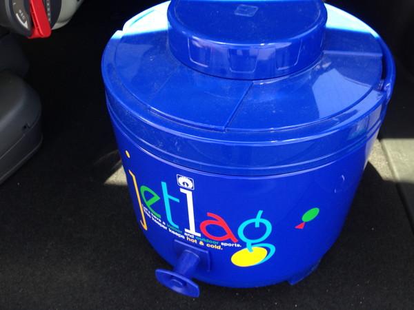 タンク式水筒