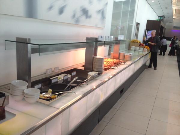 ヒースロー空港ラウンジ‐食事