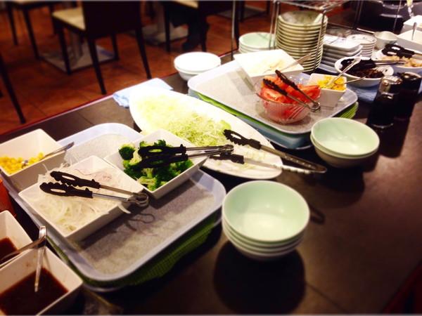 ホテルビスタ熊本空港朝食サラダ