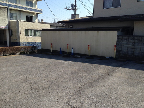 幸麺-駐車場スペース