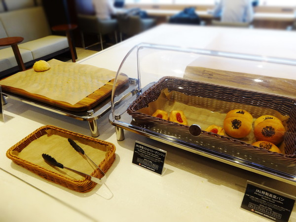 JAL特製パン