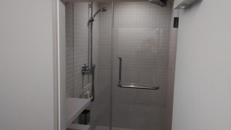 シャワールーム中