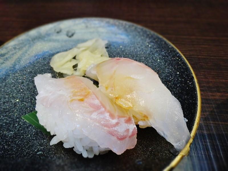 鯛の握り寿司アップ写真