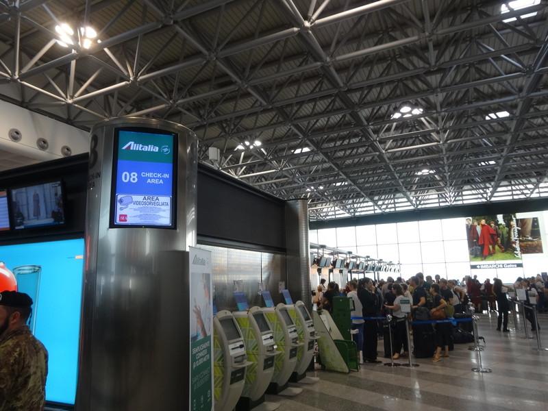 マルペンサ国際空港でのチェックイン