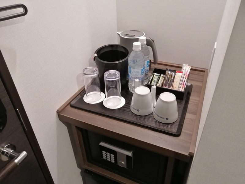 金庫とコーヒーなど